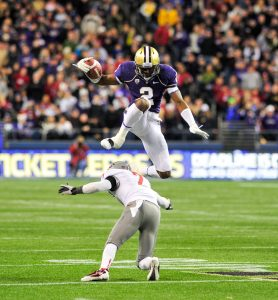 Kasen Williams vs. Washington State Apple Cup leap jump hurdle