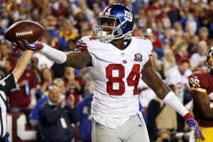 Giants TE Larry Donnell was spotted on the sidelines with a walking boot on his foot