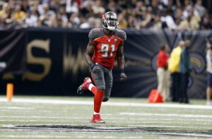 Buccaneers sign Kourtnei Brown to their practice squad; Team released Josh Keyes
