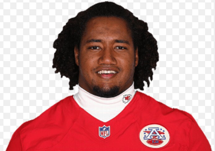 Chiefs sign former Colorado lineman
