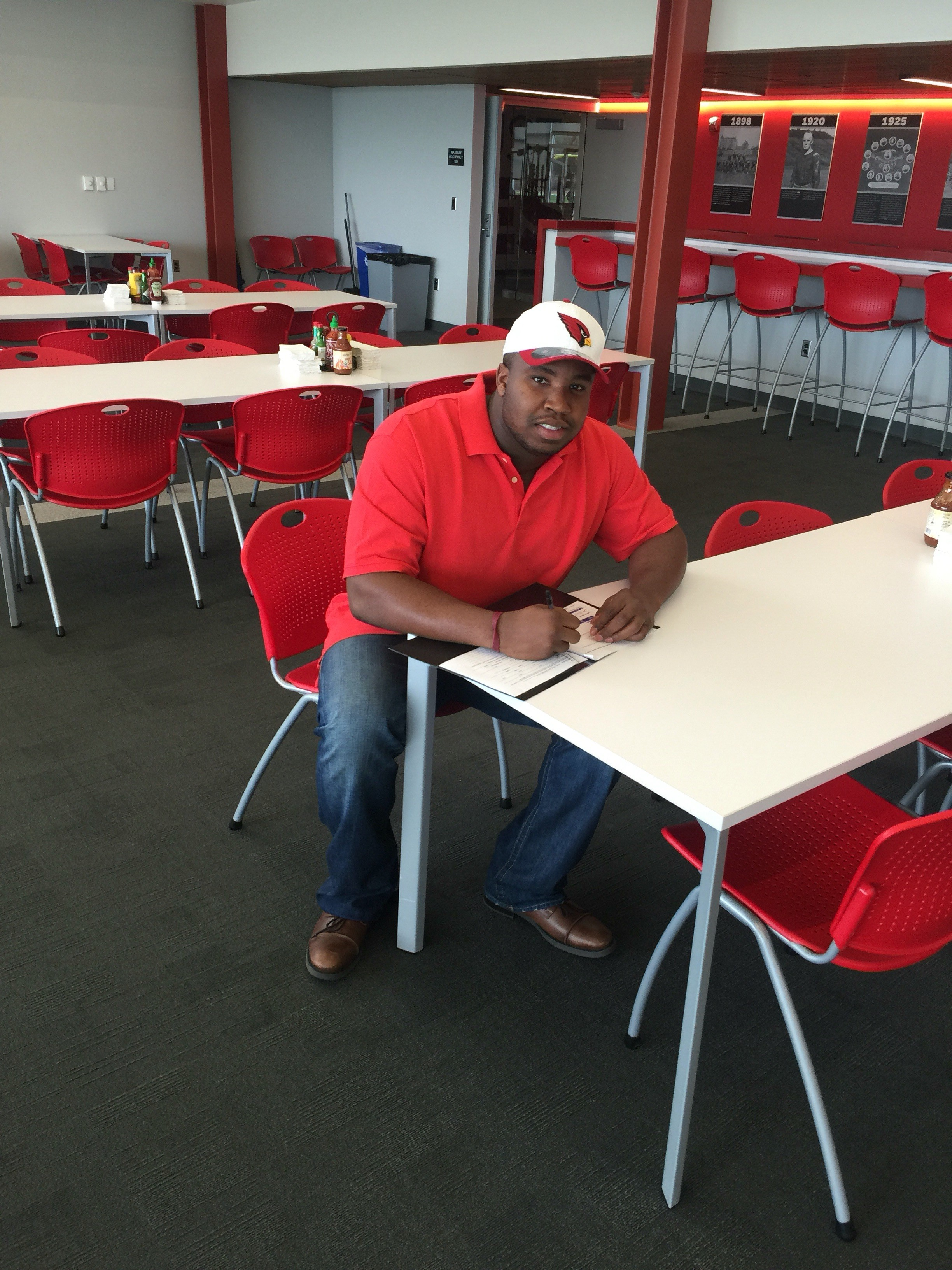 Cardinals have signed Big Valerian to a futures deal
